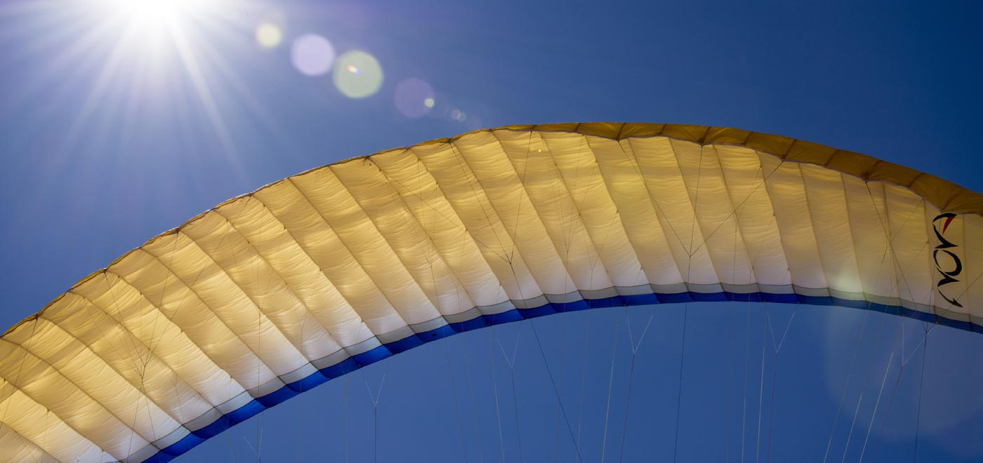 Detail of a flighing paraglide