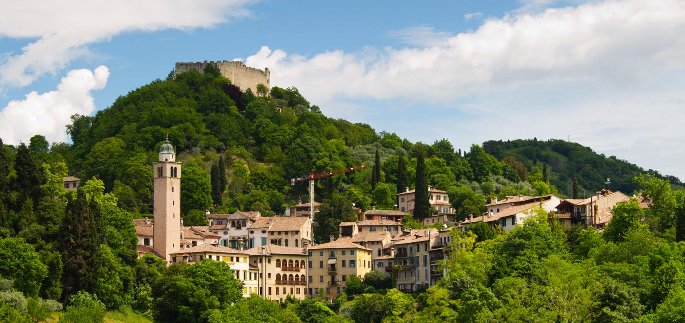 The Asolo Rocca, also called Rocca Braida, is located on the Top of Monte Ricco